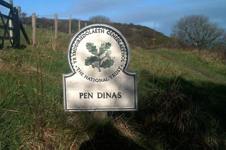 dinas-island-004